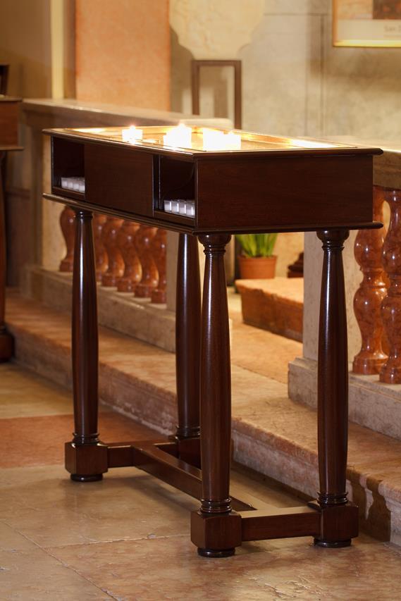 Arredi sacri per chiese ed istituzioni religiosi for Arredi sacri