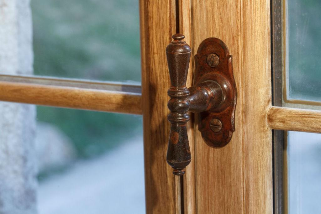 Finestre d 39 epoca finestre d 39 epoca for Finestra legno antica