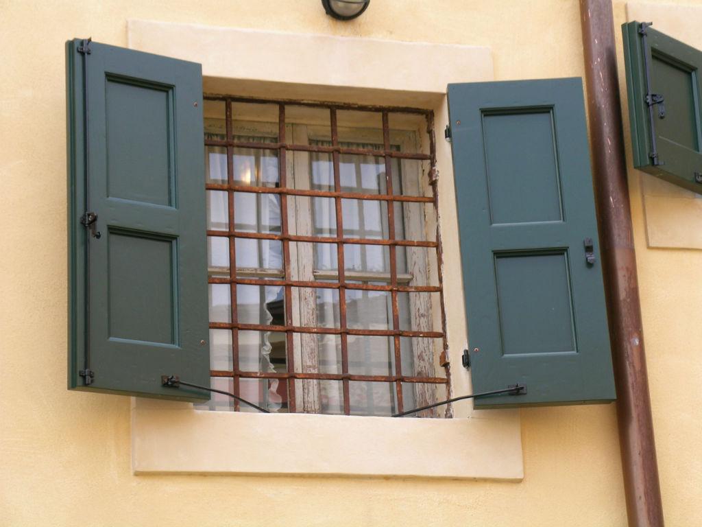 Scuri d 39 epoca finestre d 39 epoca - Scuri per finestre ...